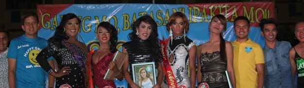 The 5 finalists in the Search for Miss Gay Feeling Ganda 2015 with Kgds. Custodio and Macario