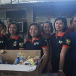 BFP prepares snacks for the firefighters. (2)