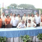 Capt. Abad witnesses unveiling of heritage tree marker in Congress. (120)