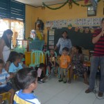 Kgd. Custodio grants Christmas wishes of day care pupils. (1)