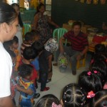 Kgd. Custodio grants Christmas wishes of day care pupils. (4)