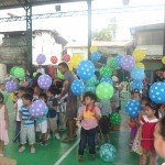 Kgd. Custodio showers Yakap Day Care pupils with Christmas presents. (5)