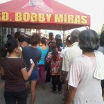Kgd. Miras gives away groceries and cash to Consti residents. (11)