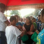 Kgd. Miras gives away groceries and cash to Consti residents. (6)