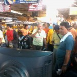 Petron Sprint 4T consumers spin roulette for prizes. (10)