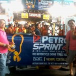 Petron Sprint 4T consumers spin roulette for prizes. (6)