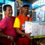Petron Sprint 4T consumers spin roulette for prizes. (7)
