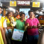 Petron Sprint 4T consumers spin roulette for prizes. (8)
