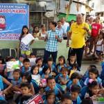 """Gamit Mo, Sagot Namin"" amazes Jasmin Street Residents (3)"