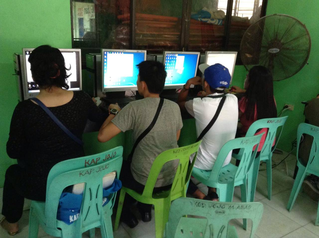Livelihood Chairmen open Doors for Computer Programmers and Call Center Agents (6)